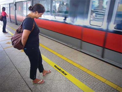 wonderbra guerilla marketing example